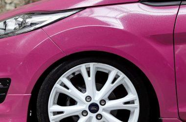 Ford Fiesta Tuning pinke Folierung und Felgen