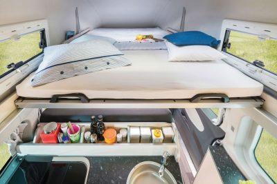 Schlafbereich mit einer 2,10m Matratze.