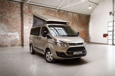 Ford Nugget Westfalia-Umbau mit Ausstelldach