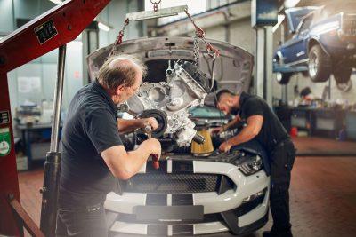 Motorinstandsetzung und Motoreinstellung